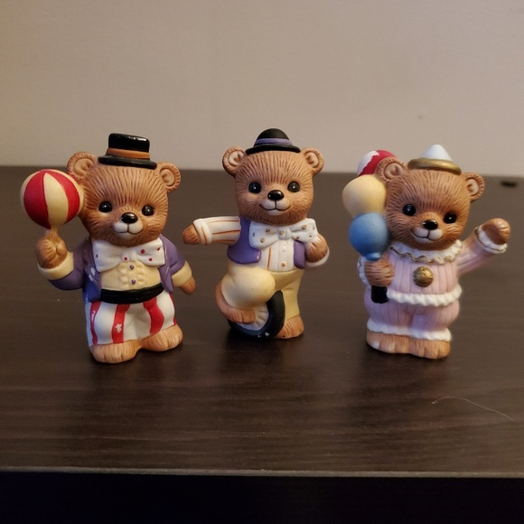 Home Interior Other - Bear Figurines